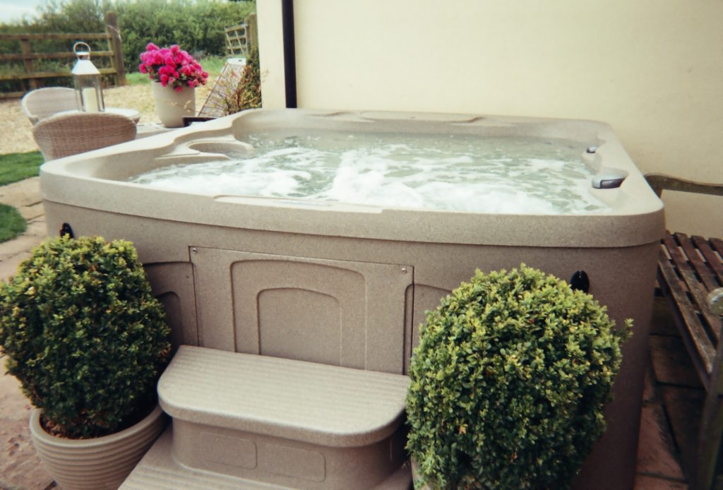 hot tub in st johns Cottage